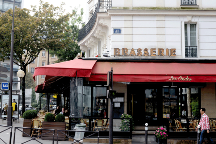 Brasserie_in_Paris