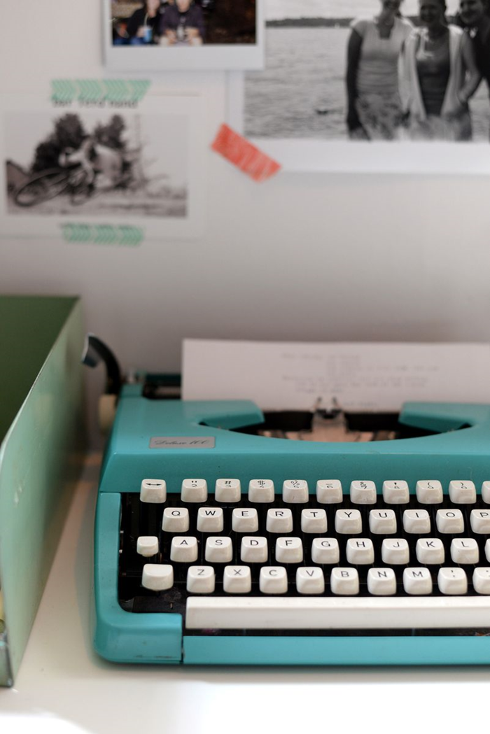 Teal-typewriter-is-my-favorite-thriftstore-find