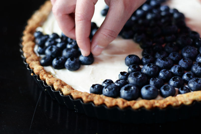 Making-a-blueberry-tart
